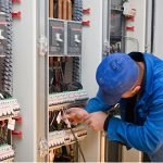 Электрик подсобник электрика Польша